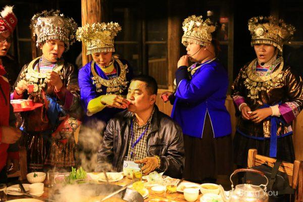 【廣西旅遊 柳州】君武森林公園,不斷灌酒找夫婿的「苗侗歌舞百家宴」