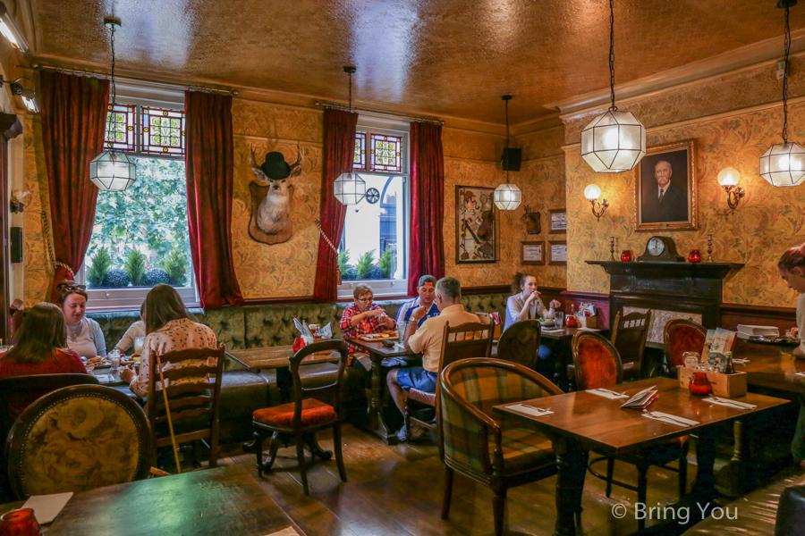 sherlock-holmes-bar-16