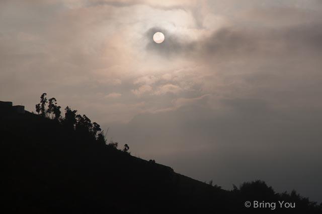 【嘉義景點】阿里山半山腰處不用人擠人看日出,配上茶園美景 ☞ 隙頂