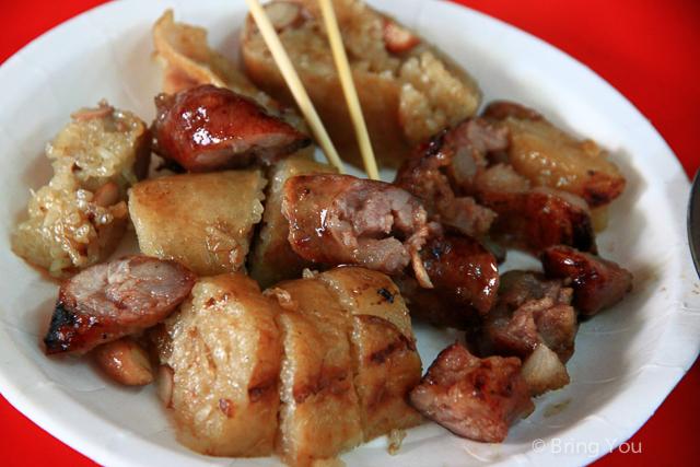 【高雄美食】鳳山橋邊香腸 ☞ 食尚玩家推薦,划算配料大方的鳳山美食小吃