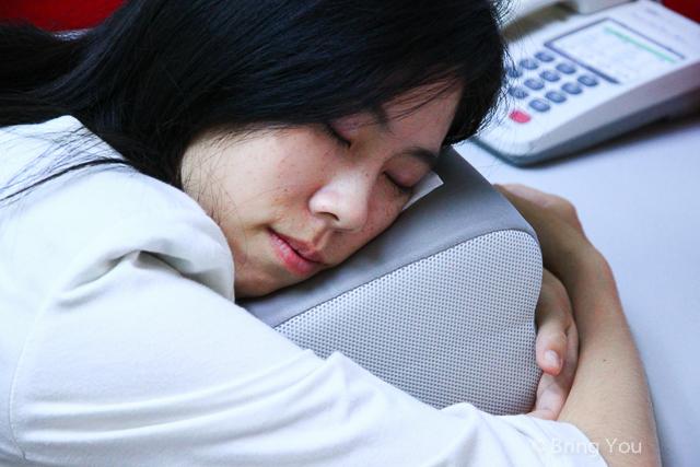 【折疊式好收納午睡枕】GreySa 格蕾莎午休好睡&兼辦公室靠腰用