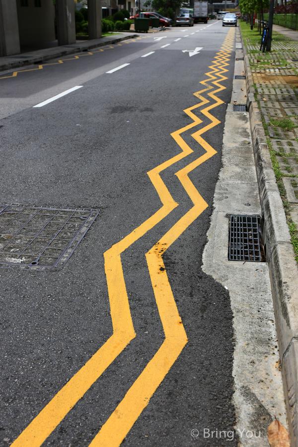 新加坡馬路上雙鋸齒黃線