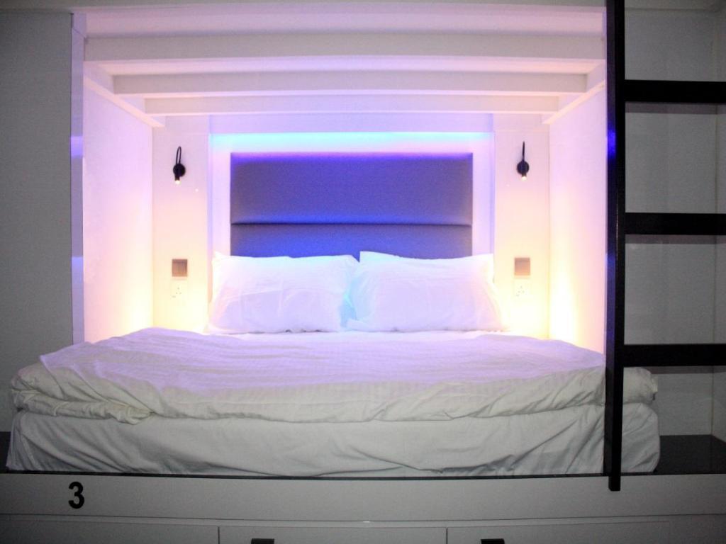 【新加坡平價住宿推薦】Wink Hostel:地鐵牛車水站雙人膠囊旅館,一出門就是中國城
