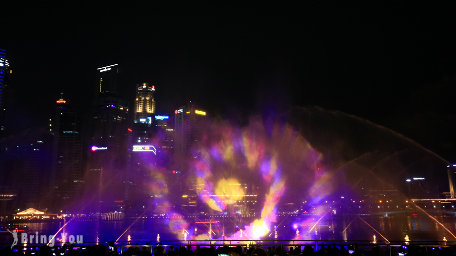 新加坡濱海灣金沙酒店幻彩生輝光影水幕表演