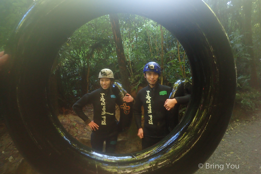 Watomo-Black-Water-rafting-11