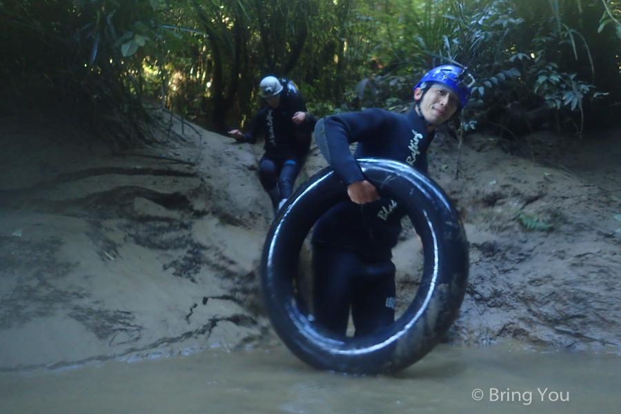 Watomo-Black-Water-rafting-12