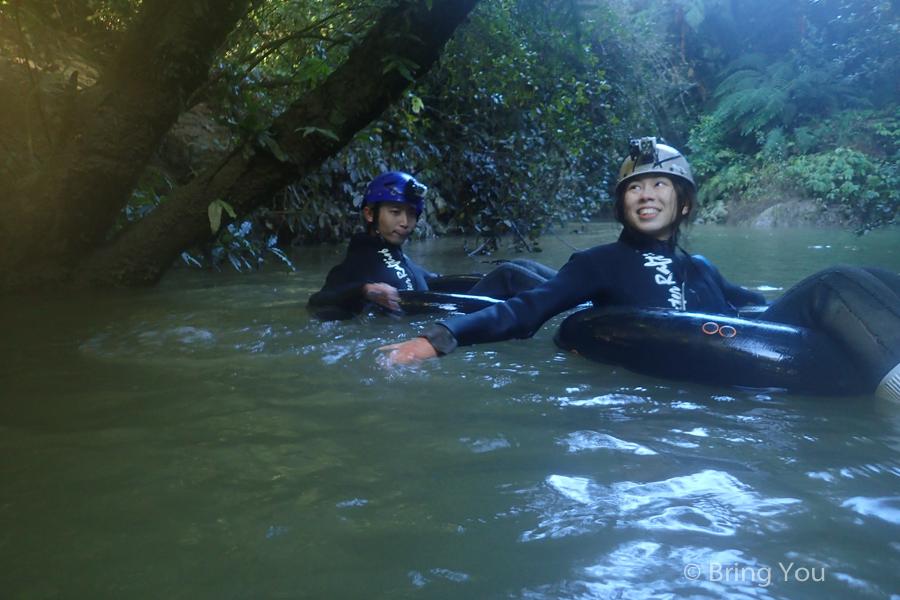 Watomo-Black-Water-rafting-13