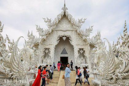 【泰北一日遊|清萊必去景點】黑廟白廟藍廟|神秘金三角 - 搭船去寮國