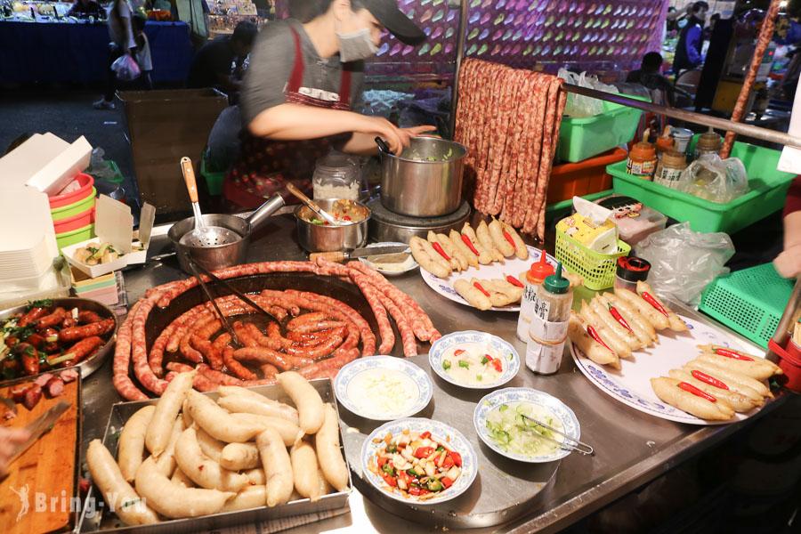 【台南夜市推薦】武聖夜市必吃美食:大腸包小腸、臭豆腐、烤生蠔(星期三、六限定)
