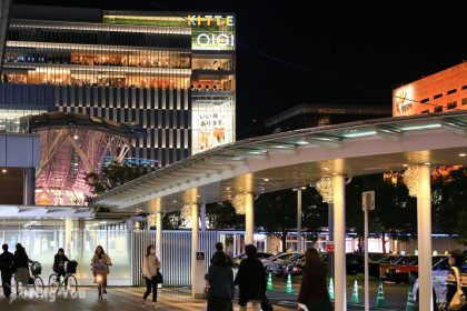 【九州福岡】JR博多車站購物完全解析:逛街、超市、必吃美食、藥妝、頂樓空中花園全攻略