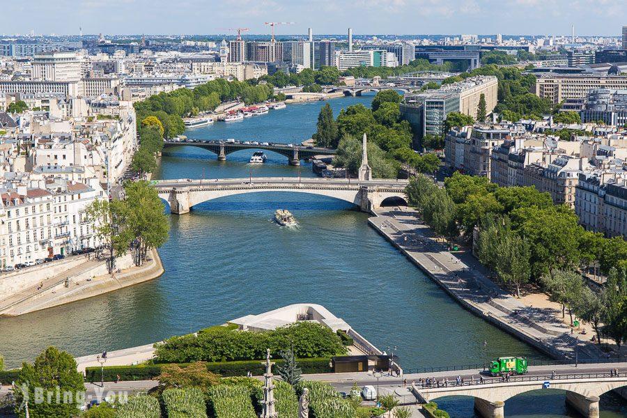 巴黎聖母院俯瞰塞納河