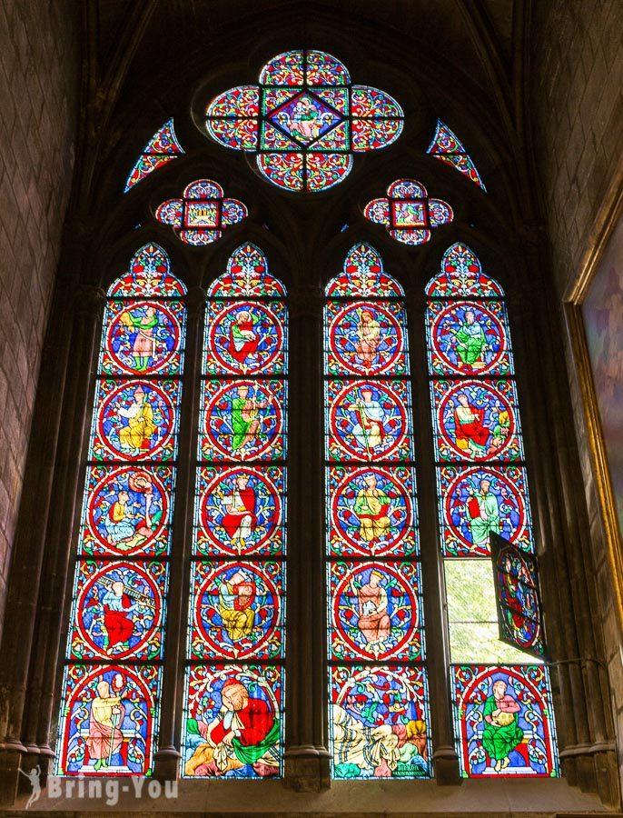 巴黎聖母院教堂玻璃花窗