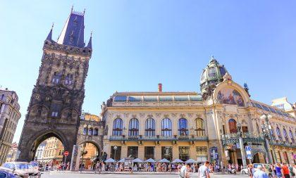 【布拉格舊城區景點】火藥塔、市民會館、海柏尼劇院,捷克舊城區逛街去