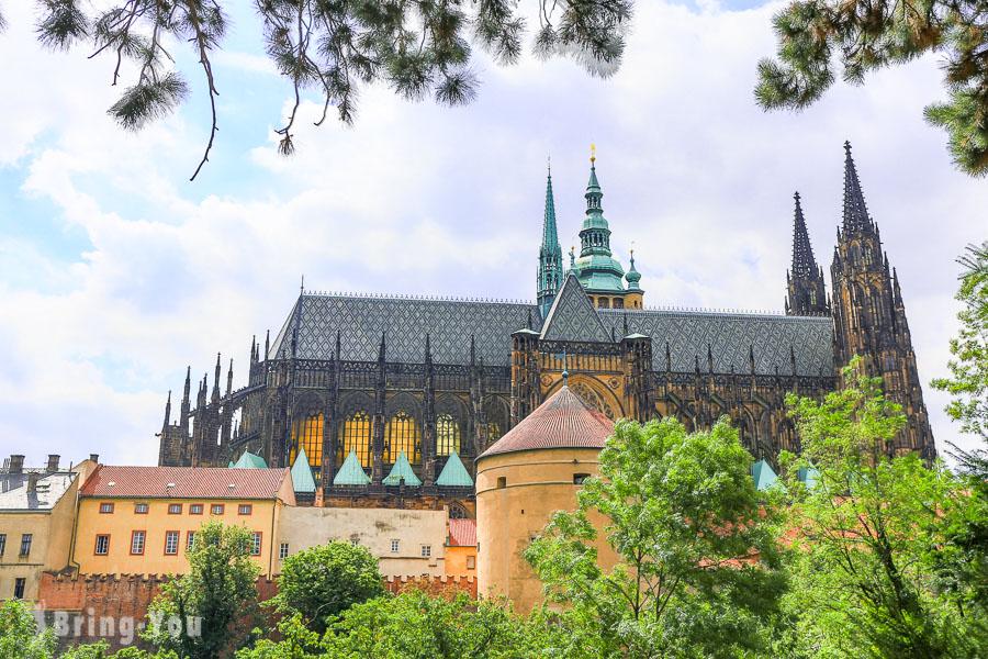 【捷克景點】布拉格城堡區攻略:皇家花園、聖維特大教堂、交通