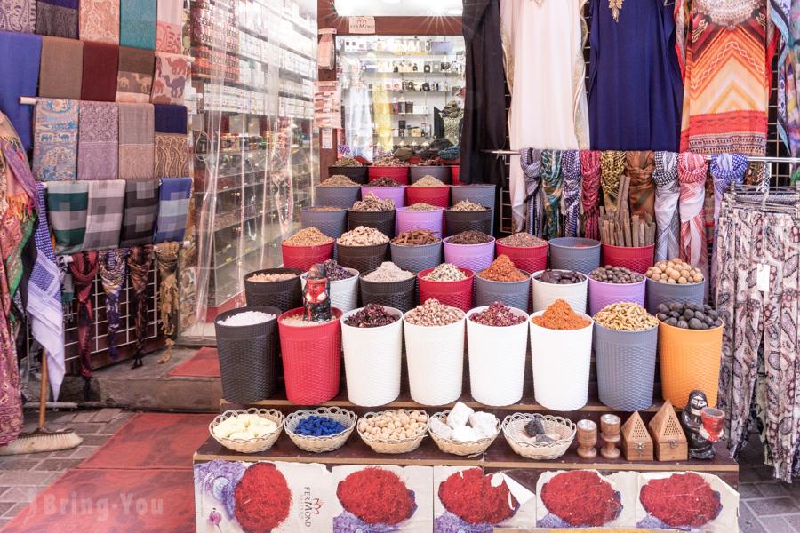 杜拜舊城區紡織品市集