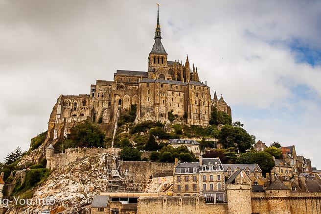【法國】聖米歇爾山一日遊必去景點:交通、用餐、門票攻略!守護人類最後的堡壘吧!