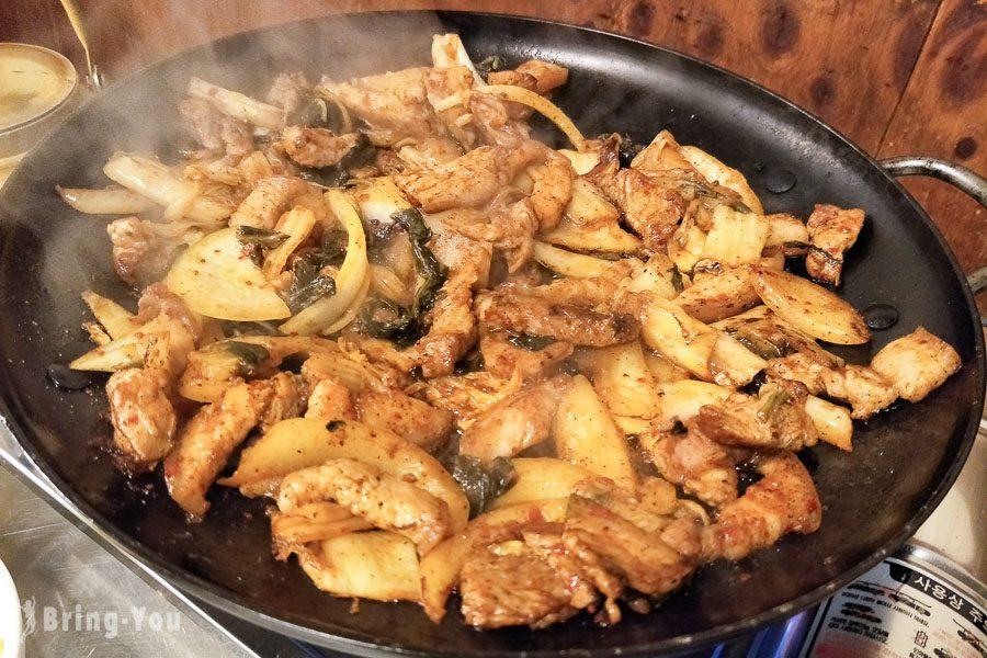 釜山西面元祖家泡菜炒豬肉