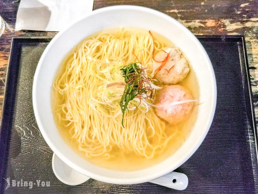 【新宿東口美食】麵屋海神:特色飯糰拉麵,香醇的海鮮魚骨湯頭