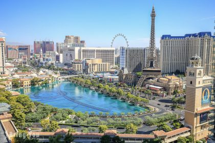 【拉斯維加斯住宿推薦】The Cosmopolitan of Las Vegas(大都會飯店):窗外就是巴黎鐵塔夜景