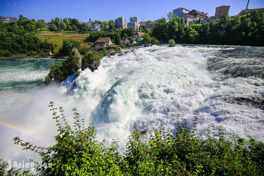 萊茵瀑布自由行交通攻略|瑞士勞芬城堡觀景台近距離感受歐洲第一大瀑布震撼感