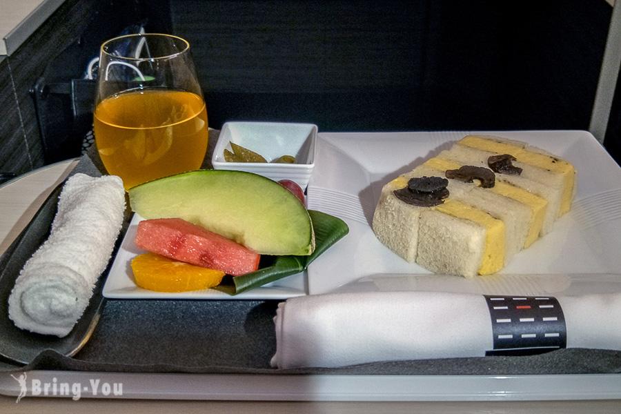 日航商務艙機上餐