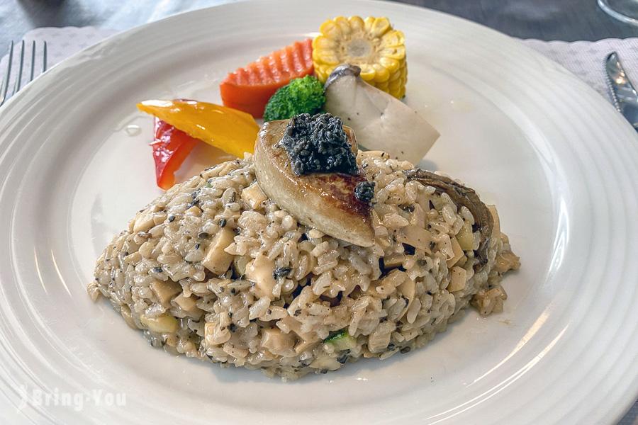 【台中中興大學美食】德馨歐式料理餐廳:經典不敗的鵝肝松露燉飯&酥皮湯