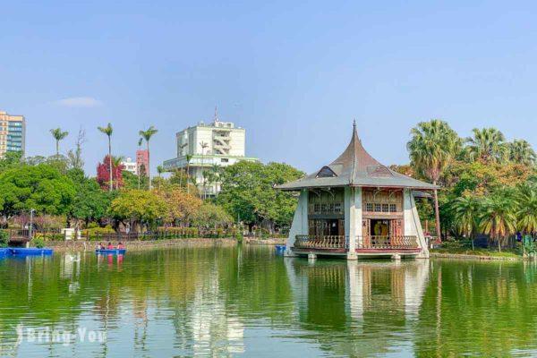 臺中公園 台中情侶約會景點,地標湖心亭超好拍,還有划船遊湖、浪漫